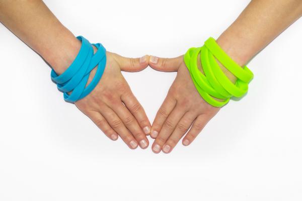 Armbänder eignen sich sehr gut als Give Aways für Jugendliche