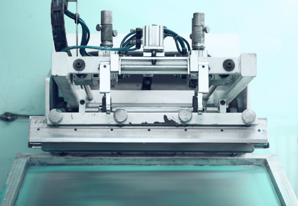 Retro-Druckmaschine im Siebdruckverfahren